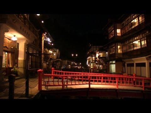Spirited Away world's 銀山温泉のノスタルジックな風景 まるで千と千尋の神隠しのような山形の温泉街 GINZAN ONSEN in Yamagata Japan
