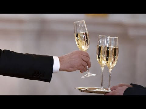 French group fumes over new Russian champagne law