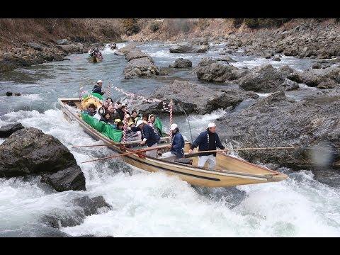 京都・保津川下りの川開き